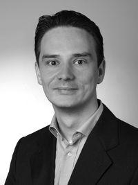 Dr. Matthias Maneck