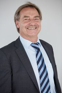 Dr. Edmund Edelmann