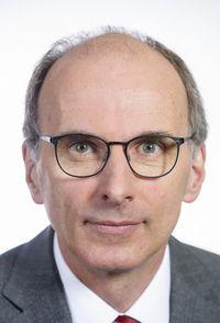 Dr. Axel Rahmel
