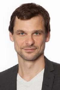 Dr. Falko Schmid